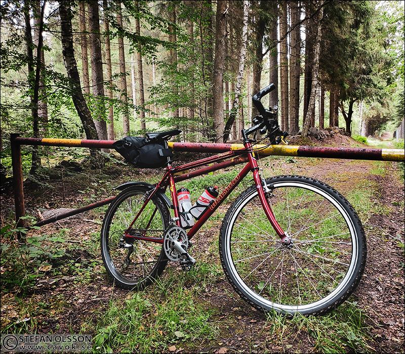 Cykel vid vägbom